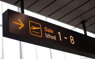 Kako ohraniš pozornost utrujenega potnika z izgubljeno prtljago?
